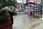 Kuvvetli sağanak yağış İstanbullulara zor anlar yaşattı!
