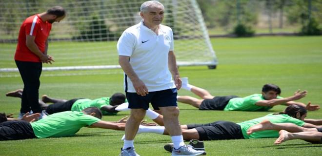 Atiker Konyaspor Bolu'ya gitti