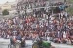Hindistan'da tribün çöktü