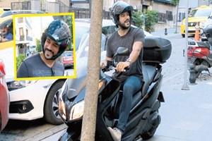 Burak Özçivit'ten trafiğe motorlu çözüm!