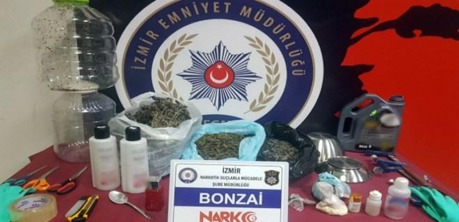 İzmir'de uyuşturucu satan suç örgütlerine operasyon