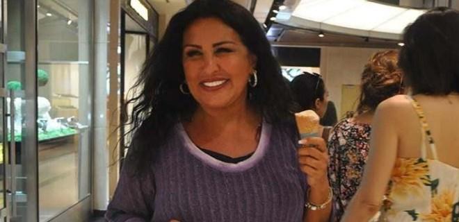 Nükhet Duru'dan dondurmalı poz