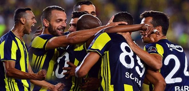 Fenerbahçe Kadıköy'de güldü