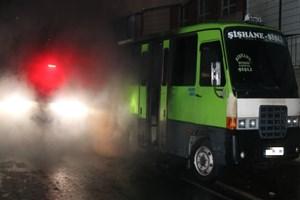 Park halindeki minibüs kundaklandı