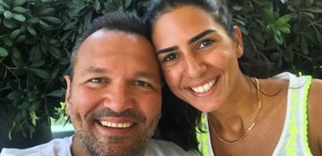 Ali Sunal ve eşinden bayram pozu