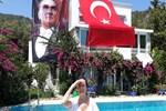Fatma Girik, 30 Ağustos'u böyle kutladı
