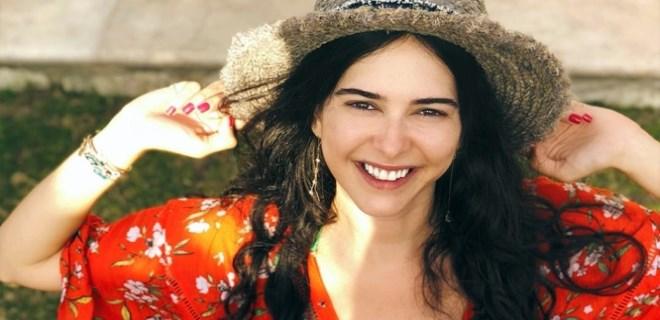 Ceylan Çapa şarkıcı oluyor