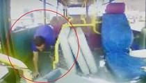 Halk otobüsünde akılalmaz görüntü!