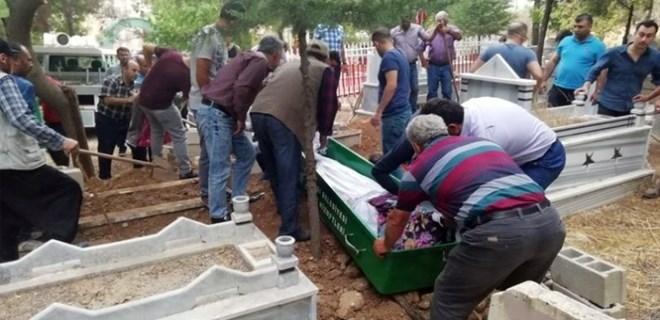 Morgda cenazeler karışınca mezar açıldı