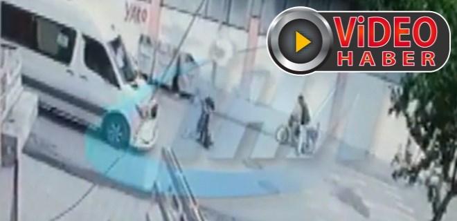 Vicdansız sürücü çocuğa çarptı ve kaçtı!
