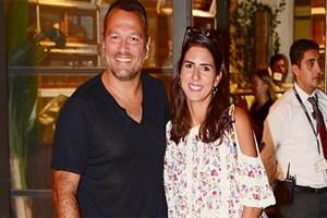 Ali Sunal ve eşinin alışveriş keyfi