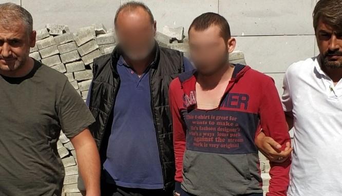 Baba ve oğlundan komşunun evine silahlı saldırı!