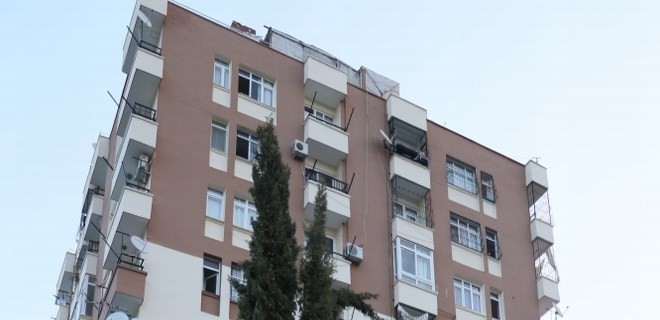 Psikolojik sorunları olan kadın 4'üncü kattan atladı!