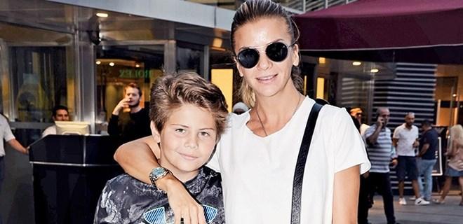 Ivana Sert oğlu Ateş'le alışverişte görüntülendi