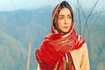 Öykü Gürman set arasında annesine Trabzon'u gezdirdi