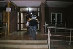 Defalarca bıçaklanan genç kız ağır yaralandı