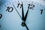 Aklın yolu sabit saat