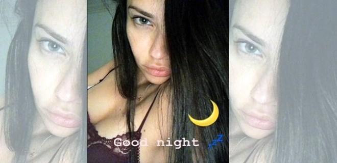 Adriana Lima yatağından paylaştı!