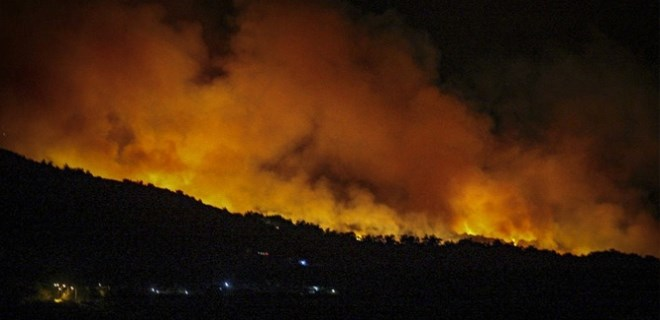 Sisam Adası'nda büyük yangın!