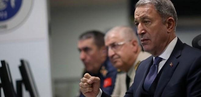 Bakan Akar'dan Fırat'ın doğusuna operasyon açıklaması