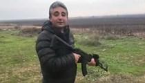A Haber müdürünün silahlı görüntüsü tartışma yarattı!
