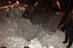 Çatıdan düşen kar kütlesinin altında kaldı!