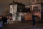 Başkent'te 2 katlı ev çöktü!