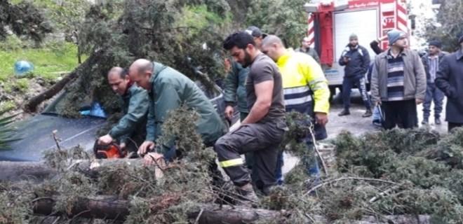 Lübnan'daki fırtına Suriyeli mültecileri de vurdu