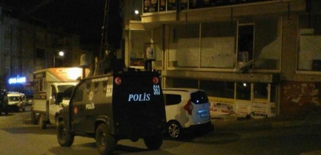 Gaziosmanpaşa'da iş yerinin önüne bırakılan EYP patladı