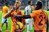 Kritik maçta Trezeguet'nin golüyle geri düşen Aslan, Cezayirli yıldızı Sofiane Feghouli'nin üç...