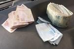Yıkamaya verilen yorgandan deste deste para çıktı!