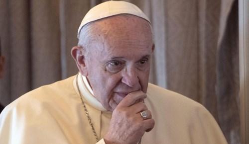 Papa 190 piskoposu Vatikan'da topladı