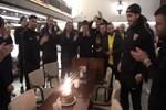 Levent Gülen'e deplasman dönüşü doğum günü kutlaması
