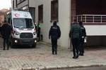 Trafik polisi evinde intihar etti