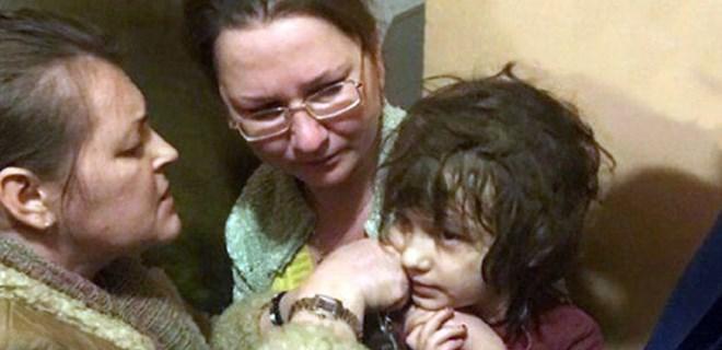 5 yaşındaki çocuk günlerce eve kilitlendi!