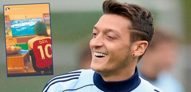 Mesut Özil'e Amine Gülşe'den tam destek!