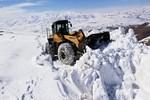 Van'da kar kalınlığı 2 metreyi aştı!
