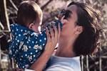 Şükran Ovalı'dan kızıyla beğeni toplayan poz