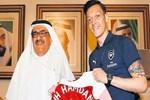 Mesut Özil'den Al Maktoum'a ziyaret