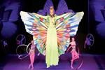 Çağla Şıkel kelebek misali uçtu