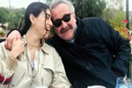 Hazar Ergüçlü ile Onur Ünlü'den romantik poz