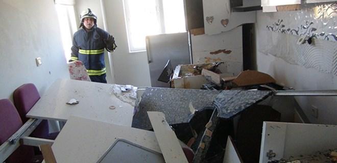Tüpgaz patlaması evi kullanılmaz hale getirdi!