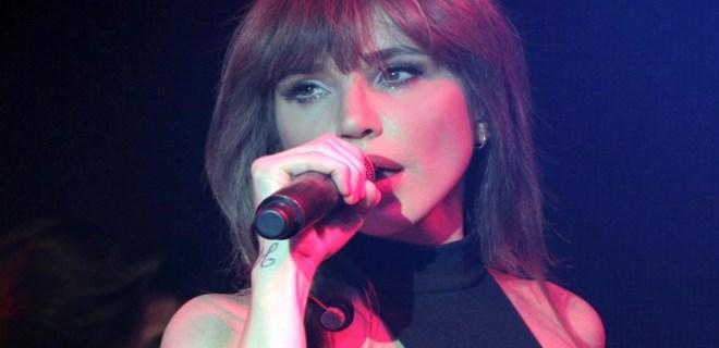 Yanlış ölüm haberi şarkıcı Gülşen'i yıktı!