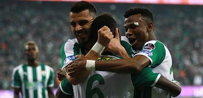 Bursaspor'da Bakkal ilk maçına çıkıyor
