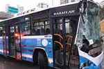 Ankara'da halk otobüsü kaza yaptı!