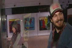 Çağatay Ulusoy sevgilisi Duygu Sarışın ile görüntülendi