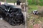 Diyarbakır'da otomobiller kafa kafaya çarpıştı!