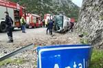 Antalya'da feci kaza: 3 ölü, 14 yaralı