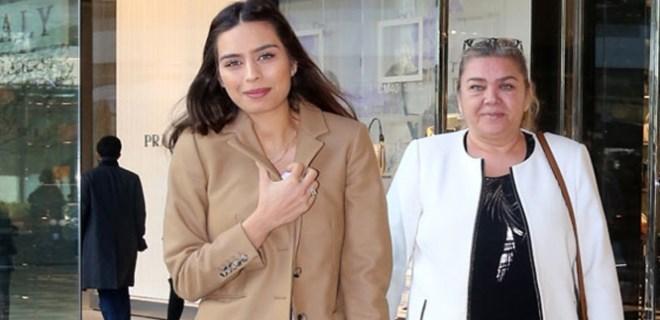 Amine Gülşe annesiyle koyu sohbete daldı