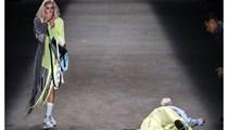 Brezilyalı model podyumda yürürken öldü